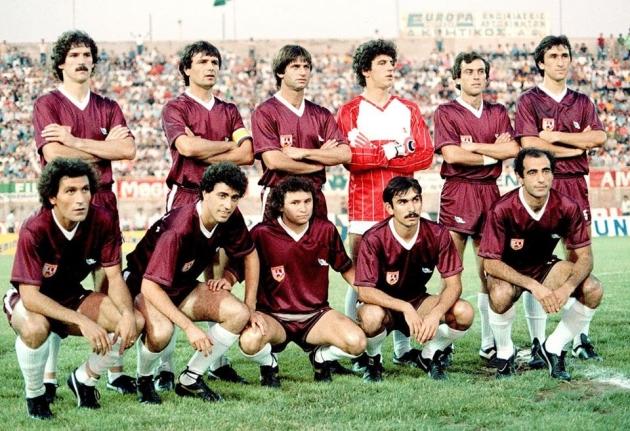 Σαν σήμερα, 19/6/1982 η ΑΕΛ συμμετείχε στον πρώτο τελικό της ιστορίας της. Στο γήπεδο της Ν.Φιλαδέλφειας απέναντι στο βάζελο, με την συμπαράσταση αρκετών χιλιάδων οπαδών της, έχασε αρκετές ευκαιρίες, είχε δοκάρι, δεν της δόθηκαν δυο πεντακάθαρα πέναλτυ, εκ των οποίων μάλιστα το πρώτο στο 0-0 του αγώνα ΚΑΙ ΣΤΕΡΗΘΗΚΕ ΕΝΑΝ ΤΙΤΛΟ ΠΟΥ ΑΞΙΖΕ ΚΑΙ ΔΙΚΑΙΟΥΝΤΑΝ.